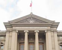 Fasad på slotten av rättvisa i Santiago Chile Royaltyfri Foto