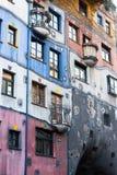 Fasada Hundertwasserhaus budynek mieszkaniowy, Wiedeń, Austria Zdjęcie Stock