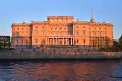 Fasada Mikhailovsky kasztel i rzeka (inżyniery) Zdjęcie Stock