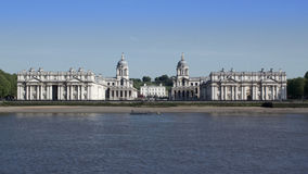 Fasada stara Królewska Morska szkoła wyższa w Thames przy Greenwich, Anglia Zdjęcia Royalty Free