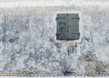 Fasada stary dom z blinders w Greckiej wiosce Zdjęcia Royalty Free