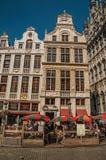 Fasada starzy typowi budynki w Uroczystym miejscu Bruksela Zdjęcie Stock