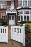 Fasada tradycyjny angielszczyzna dom w Londyn, UK zdjęcia royalty free