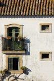 Fasada. Typowy białkujący dom. Obidos. Portugalia obrazy stock
