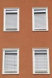 Fasada z zamkniętymi okno Zdjęcia Royalty Free