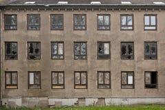 Fasada zaniechany budynek Zdjęcie Royalty Free