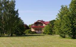 Fasade van losgemaakt huis royalty-vrije stock fotografie