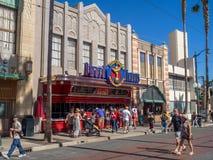 Fasaden av byggnader på Hollywood studior i det Disney Kalifornien affärsföretaget parkerar Royaltyfri Fotografi
