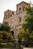 Fasaden av domkyrkan av den obefläckade befruktningen i Cuenca, Ecuador Arkivfoton