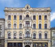 Fasaden av en gammal husnamber 90 Royaltyfria Bilder