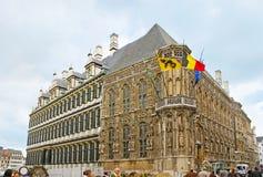 Fasaderna av det Ghent stadshuset Arkivbilder