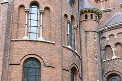 Fasadholländarekyrka med fönster och torn Royaltyfria Bilder