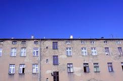 Fasadtegelstenbyggnad Arkivfoto