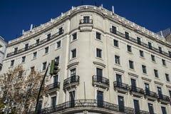 Fasady typowa architektura kapitał Hiszpania, Madryt Zdjęcia Royalty Free
