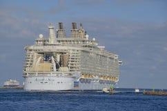 Fascínio do navio de cruzeiros dos mares fotografia de stock royalty free