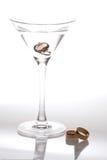 Fasce di cerimonia nuziale e del Martini Immagine Stock