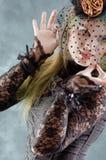 Fascini della ragazza di Goth con il velare fotografie stock