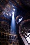 Fascio luminoso in chiesa Fotografia Stock Libera da Diritti