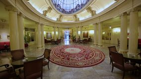 Fascynujący wewnętrzny projekt lokalizować w Europejskim mieście luksusowy hotel zdjęcie wideo