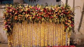 Fase decorada com flores bonitas Imagens de Stock