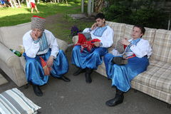 A fase do ¾ n de Ð é dançarinos e cantores, atores, membros do coro, dançarinos de corpo de bailado, solistas do conjunto ucrania fotografia de stock