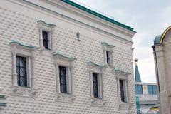 Fasetterad kammare kremlin moscow UNESCOarv Royaltyfri Fotografi
