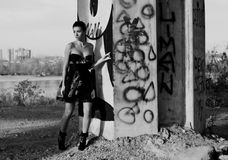 fashinable девушка урбанская Стоковое Фото