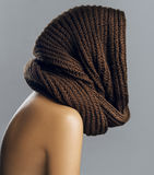 Fashion beautiful woman in warm knitted scarf. Autumn color. Royalty Free Stock Photos