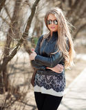 Fashion blonde woman in sunglasses - outdoor portrait Stock Photography