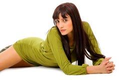 fashion flickan den gröna ståenden Arkivfoto