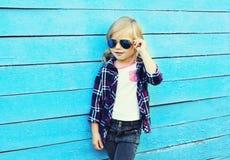 Fashion kid, stylish child wearing a sunglasses Royalty Free Stock Photos