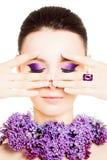fashion kvinnan Kvinnligt vända mot Ljus färgrik makeup Arkivfoto