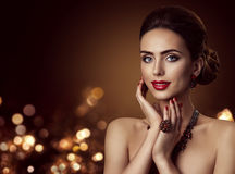 Fashion Model Face and Jewelry, Woman Beauty Portrait, Makeup Royalty Free Stock Photos