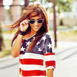 Fashion portrait of a beautiful woman wearing sunglasses Royalty Free Stock Photos