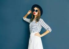 Fashion portrait elegant woman wearing a black sunglasses Royalty Free Stock Photos