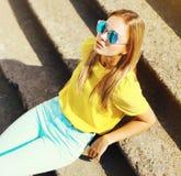 Fashion portrait stylish pretty young woman in sunglasses Royalty Free Stock Photo