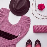 Fashion seten Top beskådar Stilfull nedgång Autumn Outfit Arkivfoton