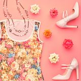 Fashion seten Top beskådar Stilfull nedgång Autumn Outfit Royaltyfria Bilder