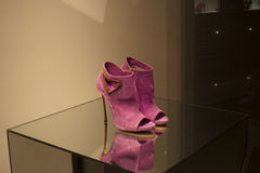 Fashion shoe. Shoe fashion retail shopping store elegance Stock Photography