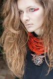 fashion ståendekvinnan Arkivfoto