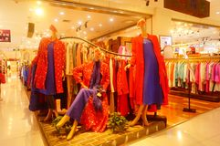 Fashion stores, women are looking for the latest fashions. In Shenzhen, china Stock Images