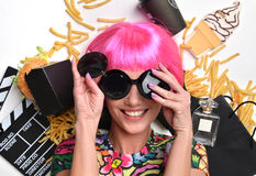 Fashion woman with pink hair and sunglasses burger sandwich fren Royalty Free Stock Photos
