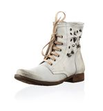 Fashionable men winter boot Royalty Free Stock Images