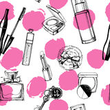 Fashionable seamless pattern with a beautiful perfume, mascara, keys, powder puff, blush. Vector illustration. Stock Photography