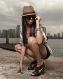 fashionable squatting woman Στοκ εικόνα με δικαίωμα ελεύθερης χρήσης