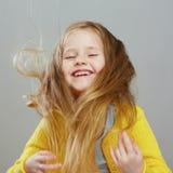 Fashon-Artmädchen mit langem Porträt des blonden Haares Stockbild