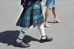 fasion苏格兰男用短裙人苏格兰人裙子 免版税库存照片