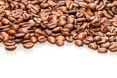 fasoli kawa białe tło Zdjęcie Royalty Free