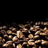 fasoli zbliżenia kawa wypiętrzająca Fotografia Stock
