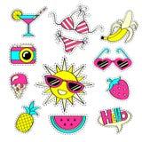 Fasonuje dziewczęce łat odznaki z truskawką, arbuz, okulary przeciwsłoneczni, lody, kamera, słońce, banan, swimsuit, ananas, cock Obrazy Stock